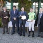Daniel Krüger gratuliert für die Besitzervereinigung