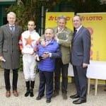 Mario Hofer und Riem-Vize Prinz von Auersperg feiern den Sieg